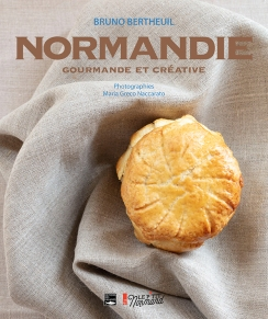 Quarante recettes pour mettre en valeur les produits normands, de l'apéritif au dessert.