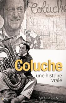 A l'occasion du 30e anniversaire de la disparition de l'humoriste, le journaliste brosse le portrait de Coluche à travers ses sketches célèbres, mais aussi ses origines italiennes, son entourage, ses combats contre l'injustice, ses problèmes de drogue, etc.