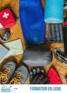 Hygiène, pharmacie, vêtements chauds ou adaptés à l'humidité, apprenez à choisir et utiliser votre matériel de randonnée, pas à pas. Grâce à ce cours de randonnée en ligne, vous saurez tout ce qu'il faut savoir pour partir léger et en sécurité sur les sentiers et passer de bons moments sur les chemins. (La Boîte numérique)